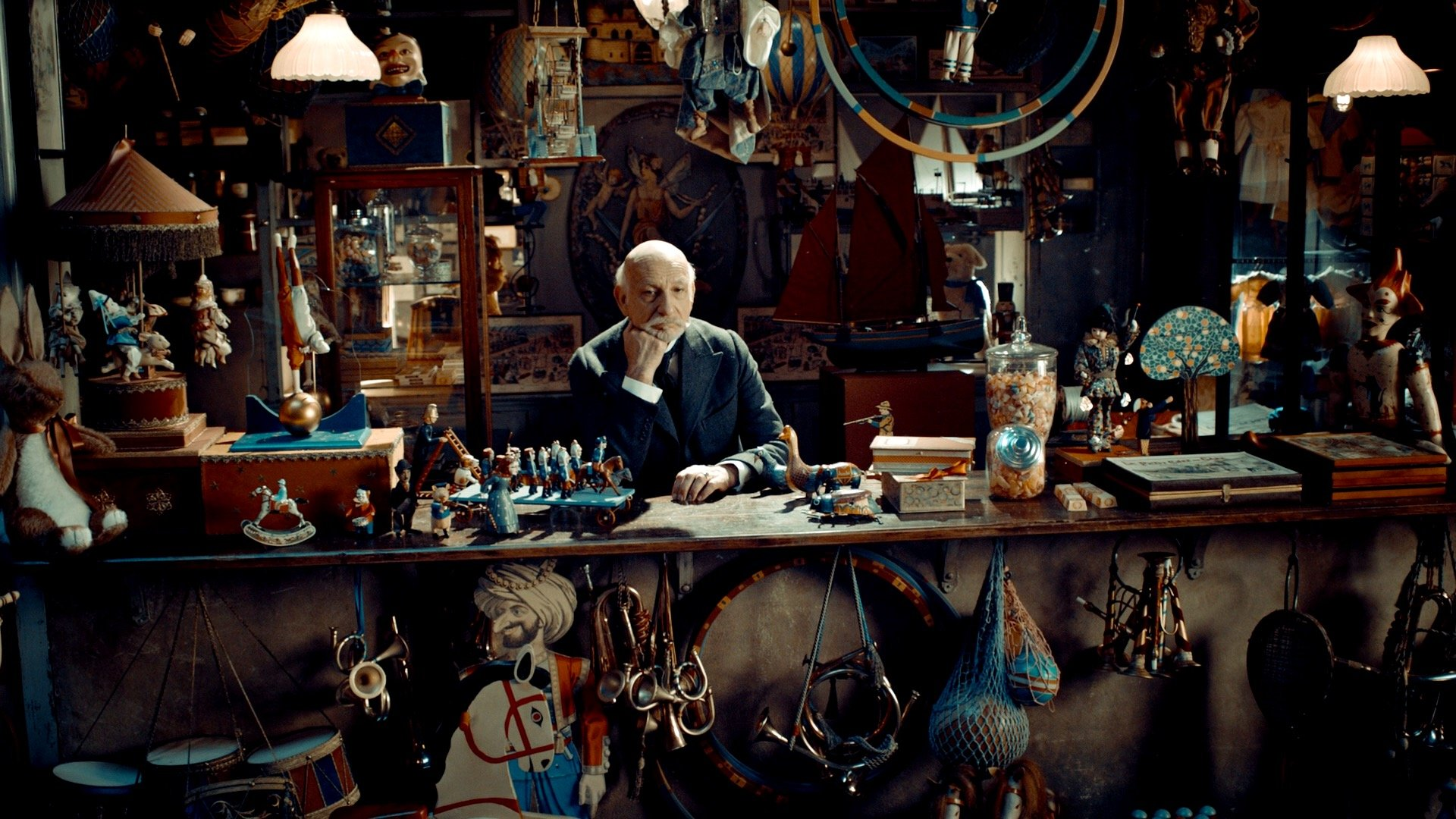 Hugo 2011 Review As Endearing As It Is Frustrating High On Films