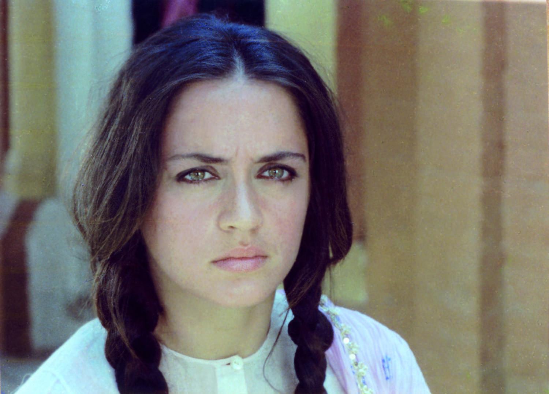 Junoon (1979)