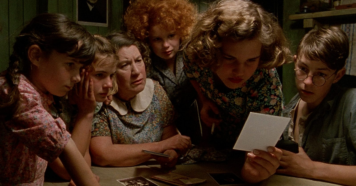 AN ANGEL AT MY TABLE (1990)