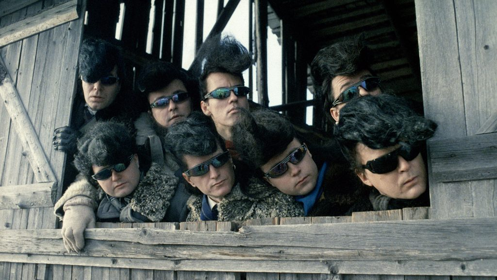 Leningrad Cowboys Go America (1989)