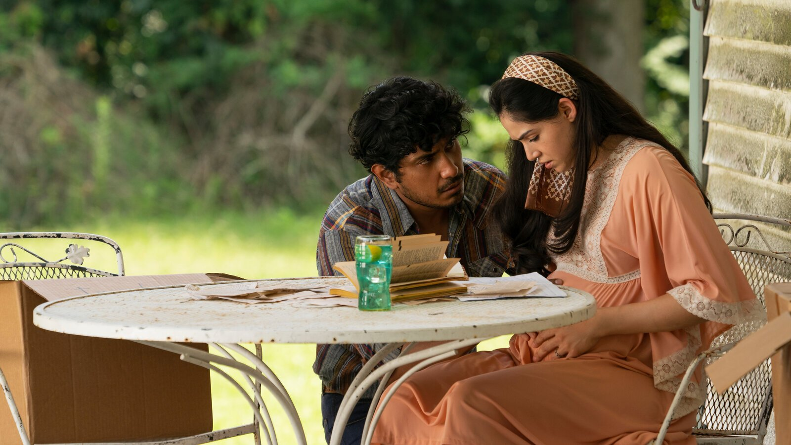 Madres 2021 Movie Review (2)